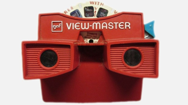The traditional View-Master uses stereoscope technology to view several images on slide disk, which the user navigates using a lever on the right of the device.